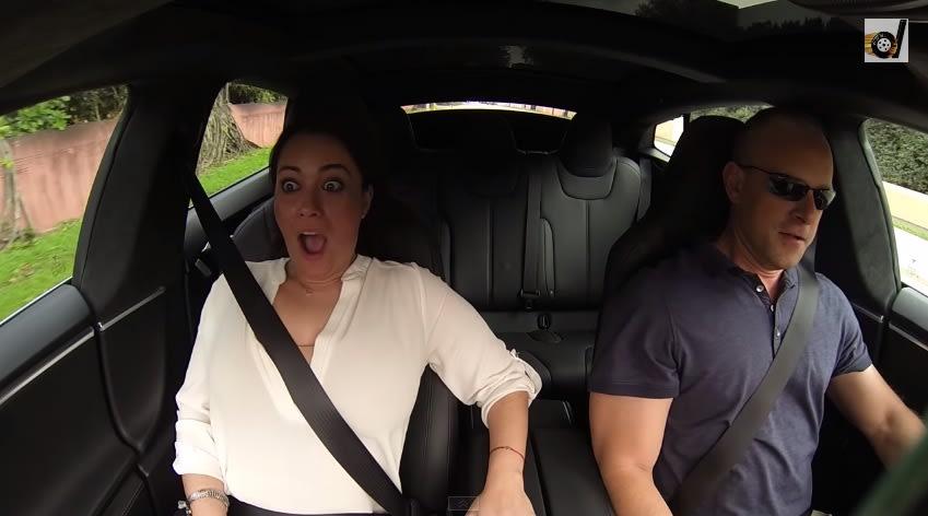 Así reacciona la gente cuando prueba el Modo Insane del Tesla P85D (video)