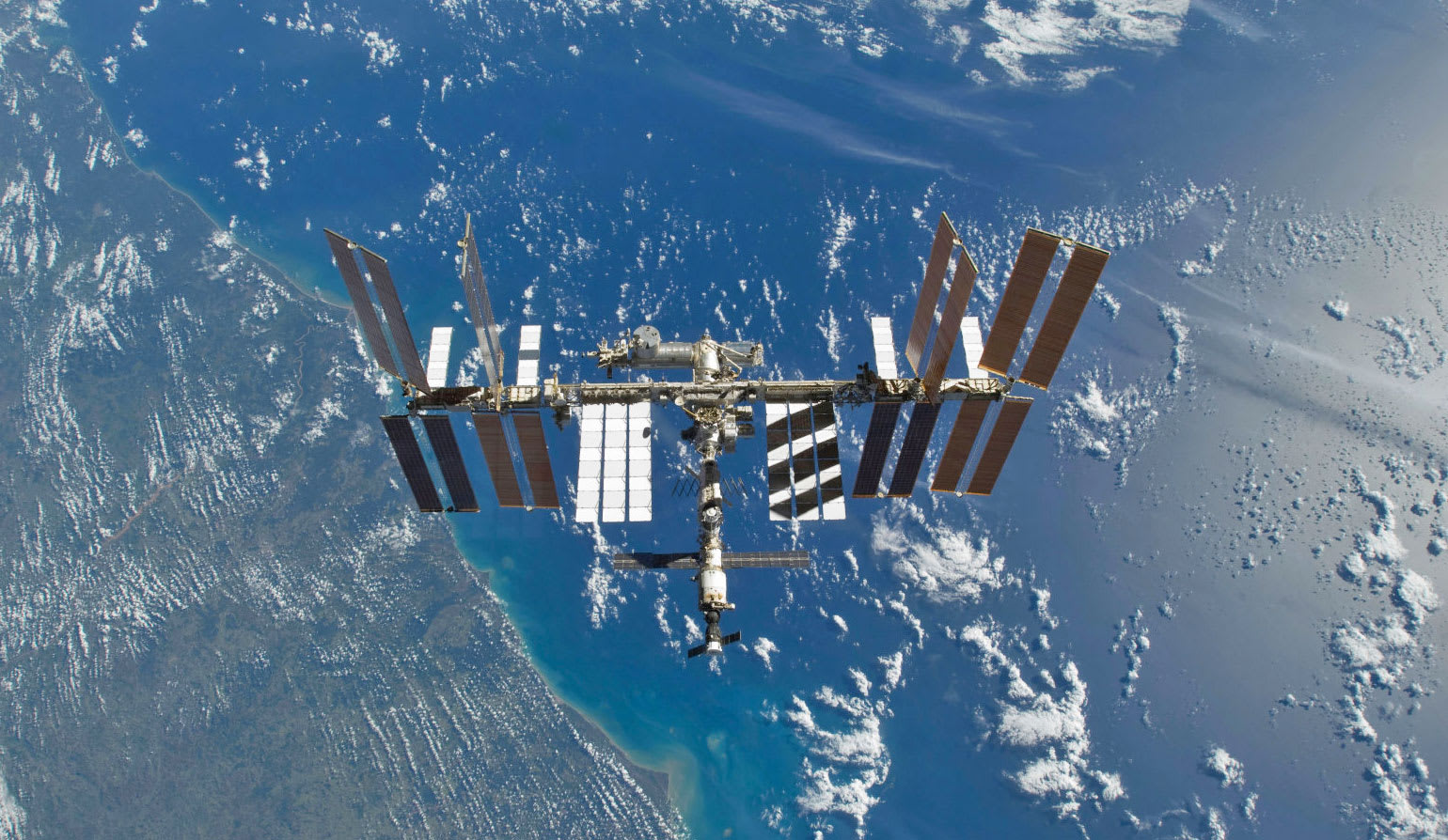 NASA plans to hand over the ISS to a private corporation (update)