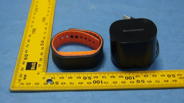 Lenovo's fitness-minded Smartband shows up unannounced at the FCC