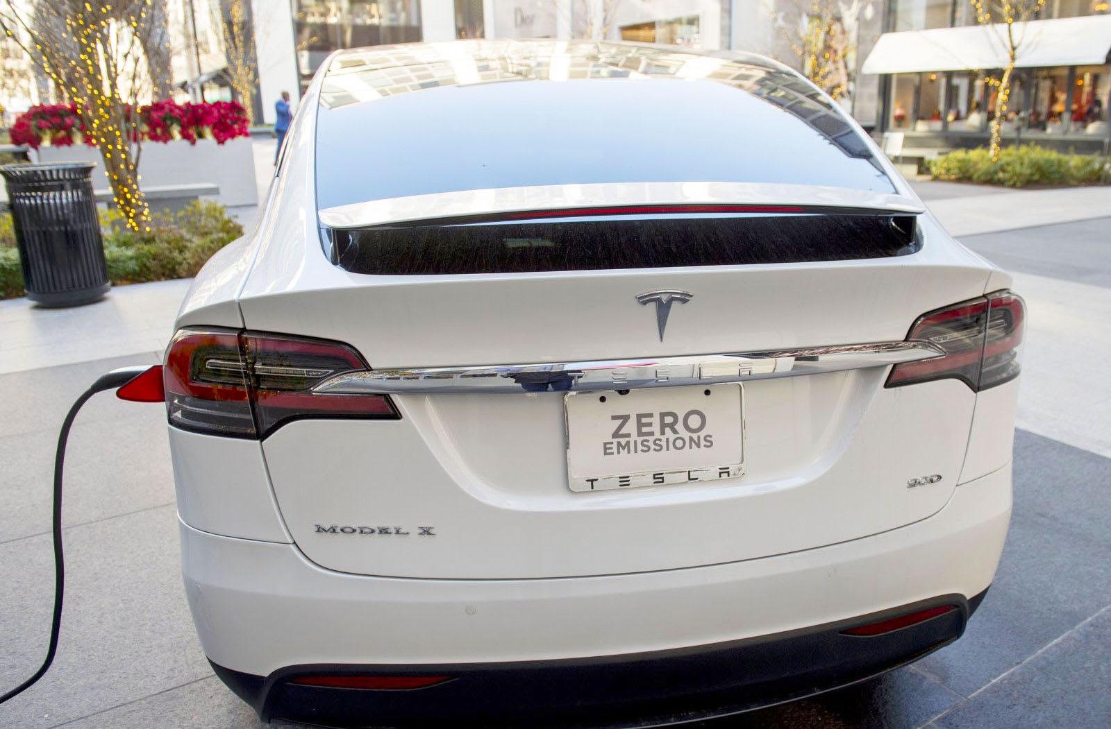 Tesla S Latest 100d Models Focus On Range Not Power