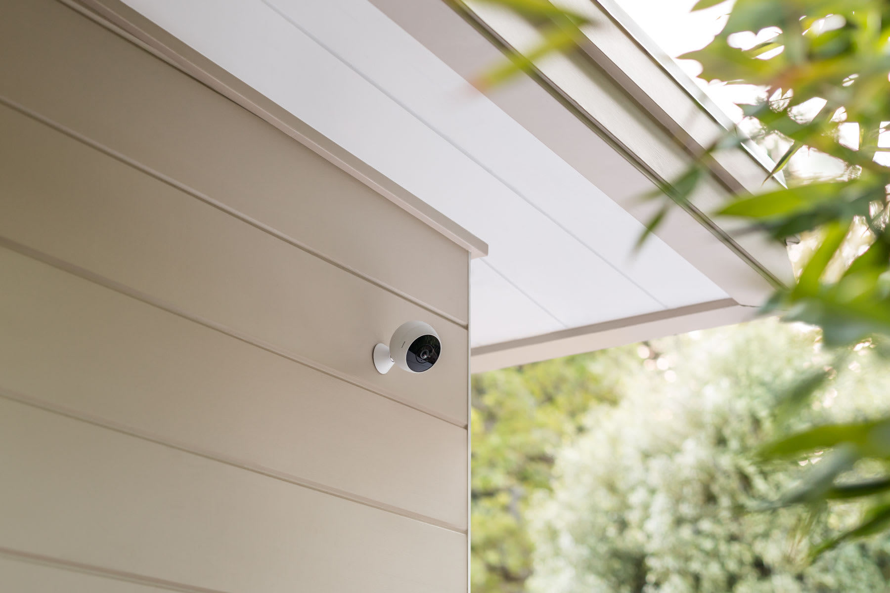 Logitech's human-spotting Nest cam rival works outdoors