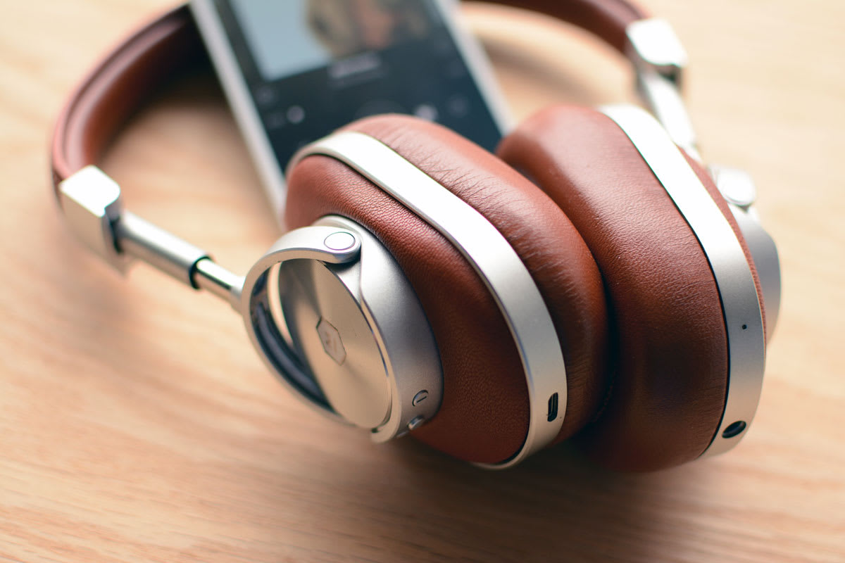 405abdf006e My first experience with Master & Dynamic's audio gear was the time I spent  with the MH40 wired headphones this summer. I noticed the company's knack  for ...