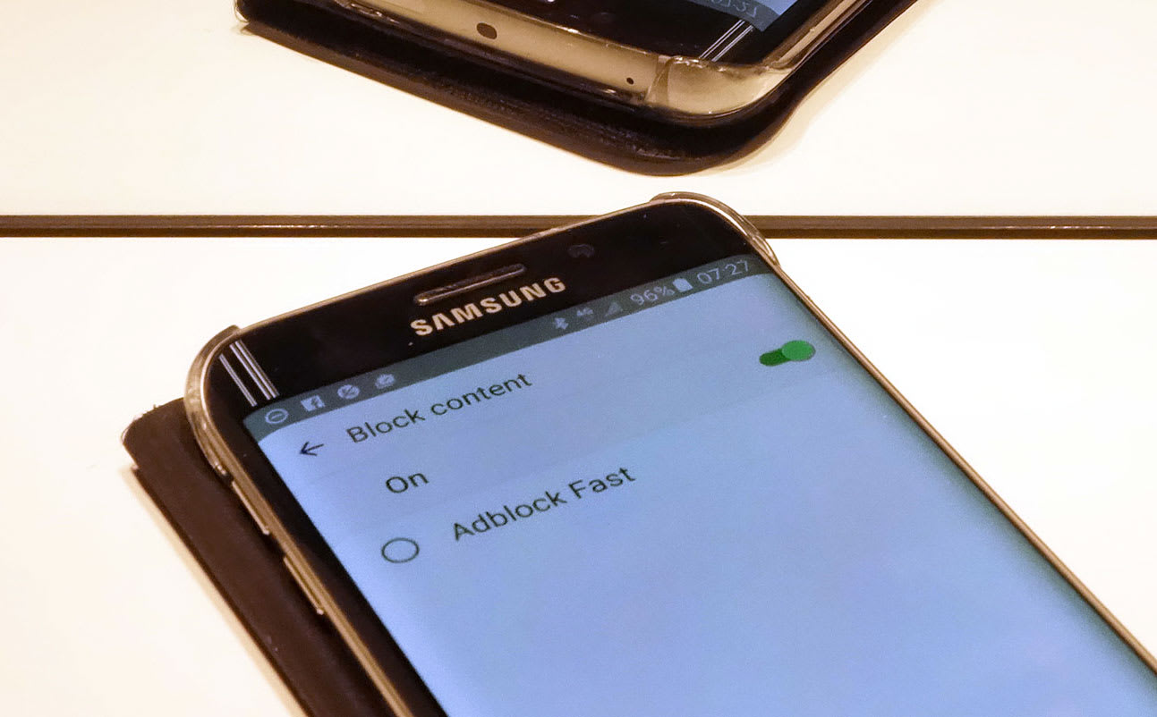 Samsung inexplicably opens up its Android browser
