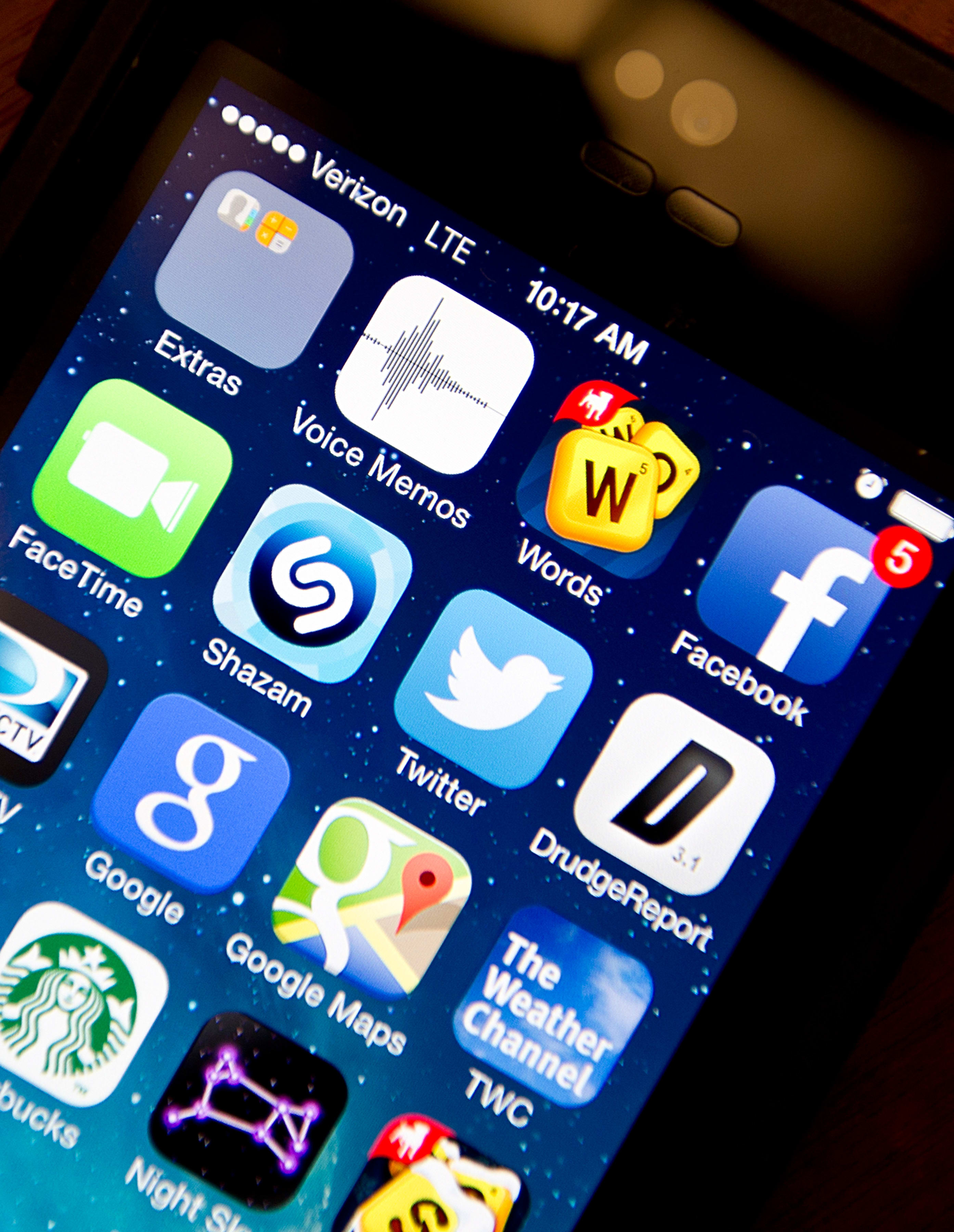 Smartphone owners use an average of 27 apps per month