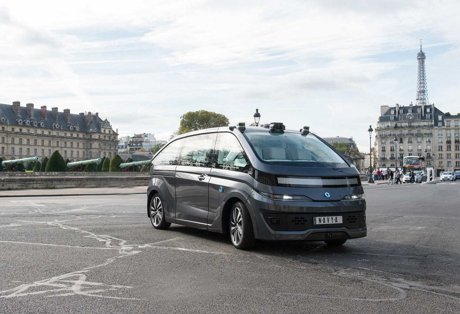 Navya puts its self-driving shuttle tech in an autonomous taxi