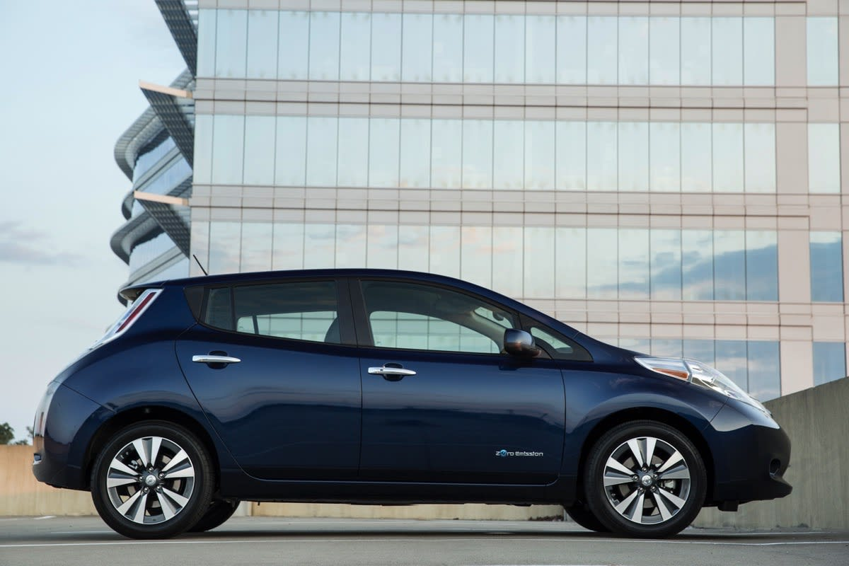 The 2016 Nissan Leaf touts 107-mile range thanks to a ...