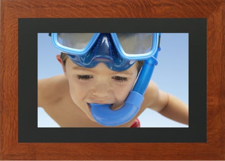 Photovus 17 Inch Rss Enabled Digital Photo Frame The 1765w