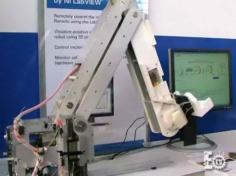 Wiimote used to control robotic arm, effectively this time