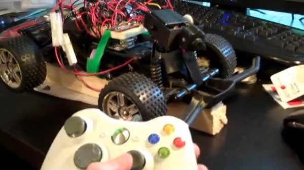 Xbox 360 controller dictates R/C racer on video