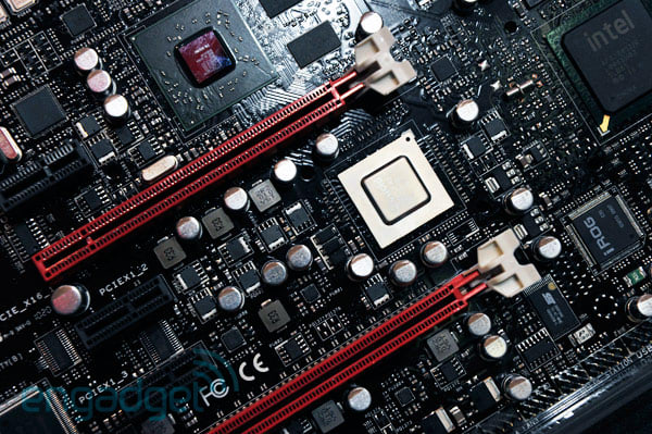 ASUS demos Immensity X58 Hydra mainboard with integrated ATI