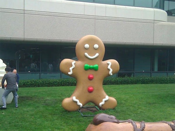 Google Catches Giant Gingerbread Man Mounts On Front Lawn Video