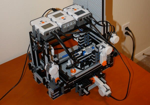 MakerLegoBot is made of Lego, makes things out of Lego, is so meta