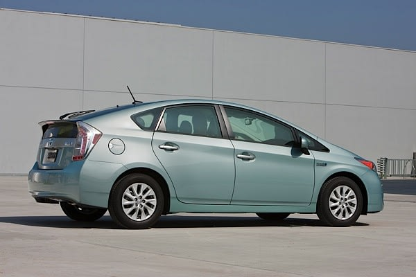 Toyota officially unveils production Prius plug-in hybrid
