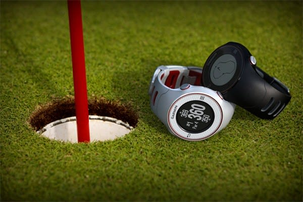 Garmin Approach S3 golf watch provides assistance for 27,000 courses