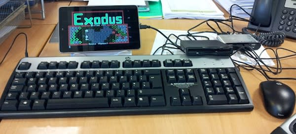 ULTIMAte hack: Nexus 7 hooks up with external USB storage, floppy