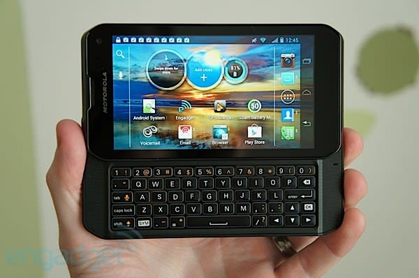 Motorola Photon Q 4G LTE review: the best full QWERTY phone