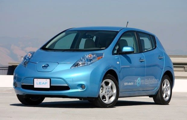 Nissan Has Thrown Down The Warranty Gauntlet To Other Ev Makers By Announcing It Would Be First Re Battery Capacity If A Leaf S Full Charge
