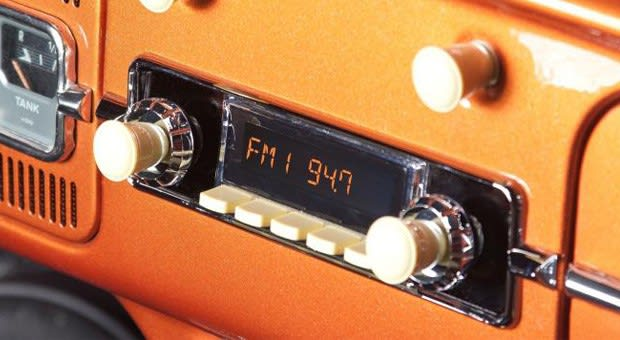 RetroSound's Bluetooth-enabled in-dash radio for classic cars now up