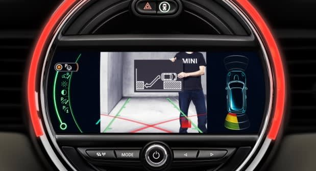Mini Cooper hardtop gets parking assistance and collision warning