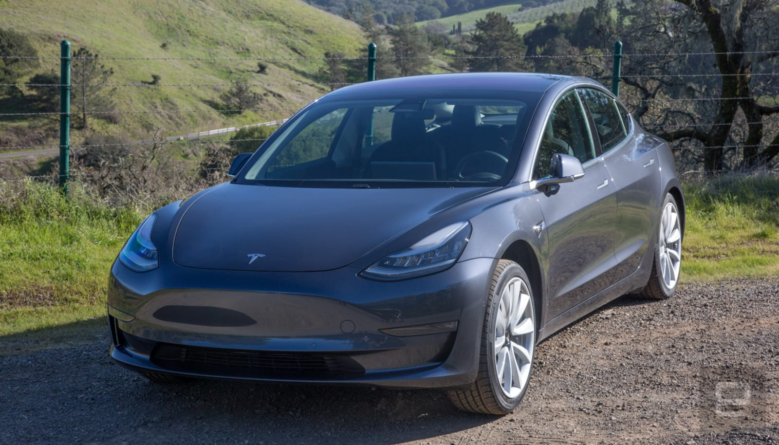 Tesla owners start seeing a data usage counter with a 50GB cap