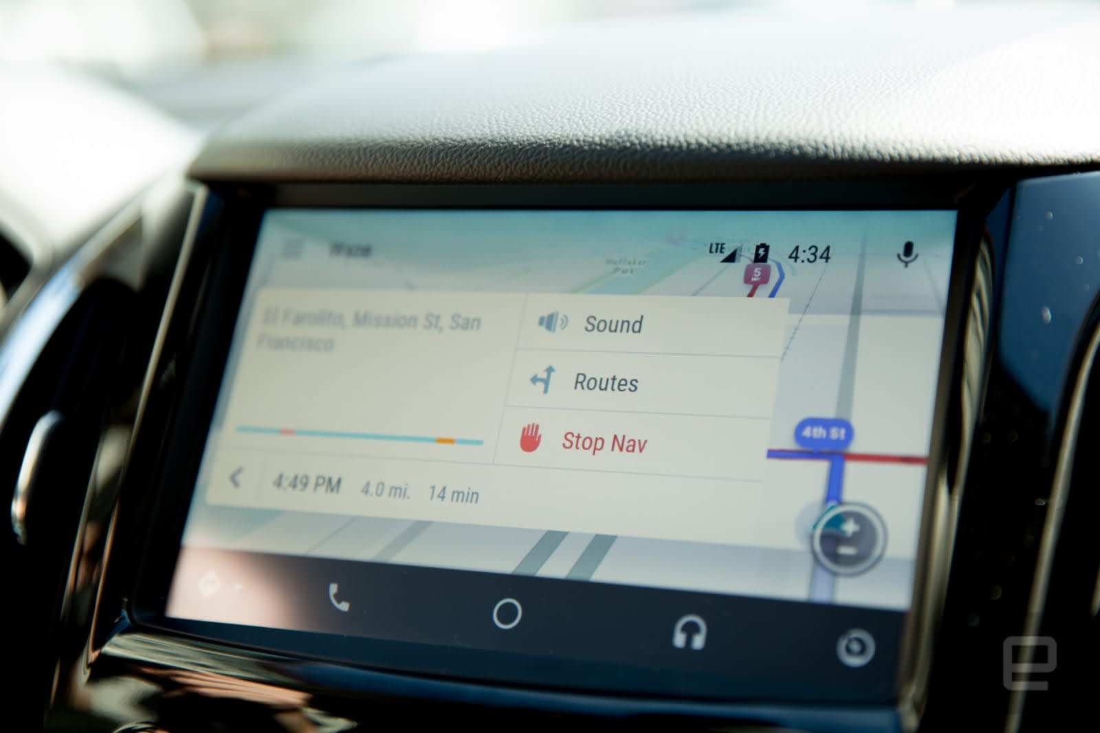 Waze now works with Android Auto's phone display