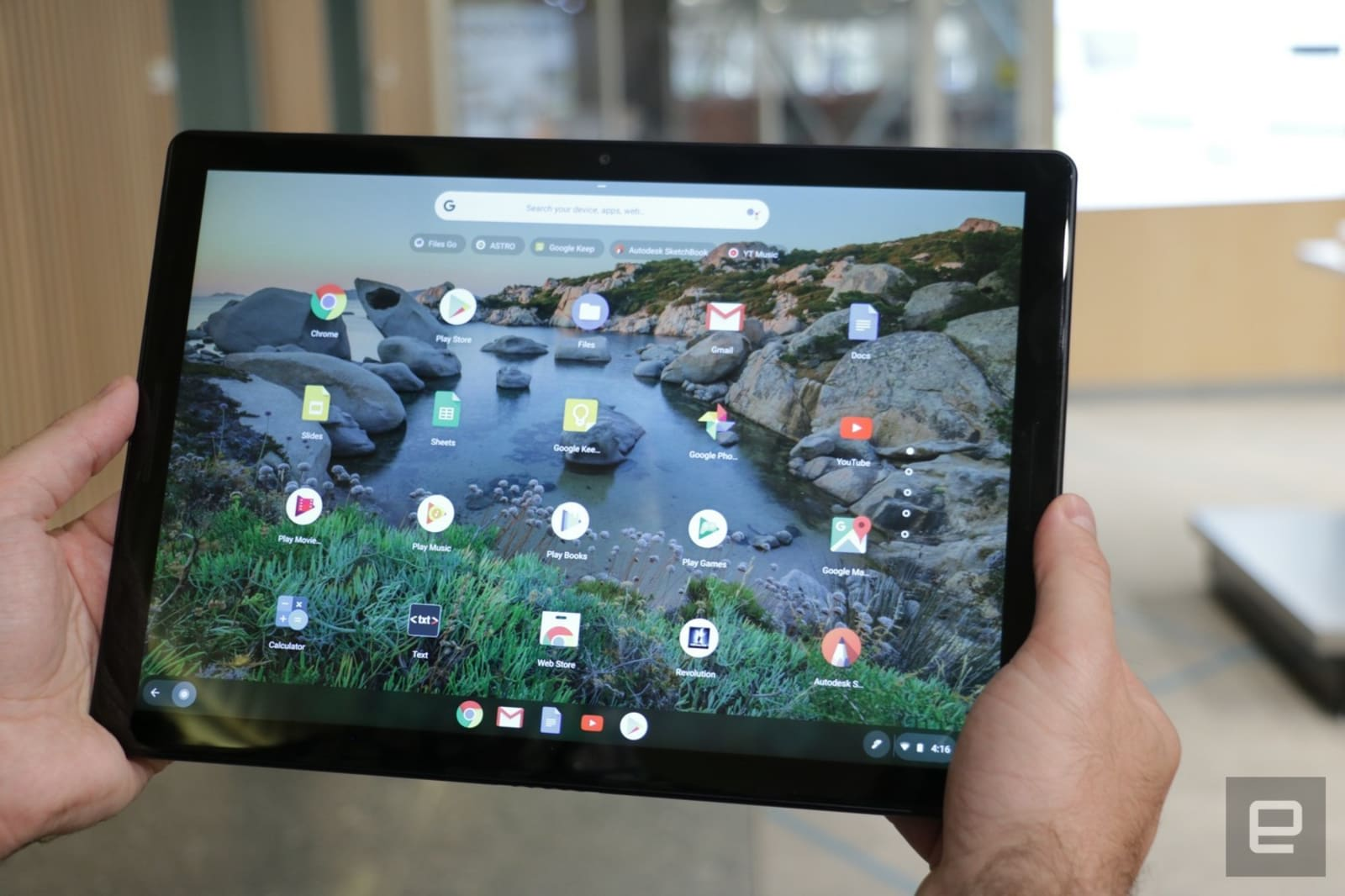 Latest Chrome OS update includes a redesigned tablet interface