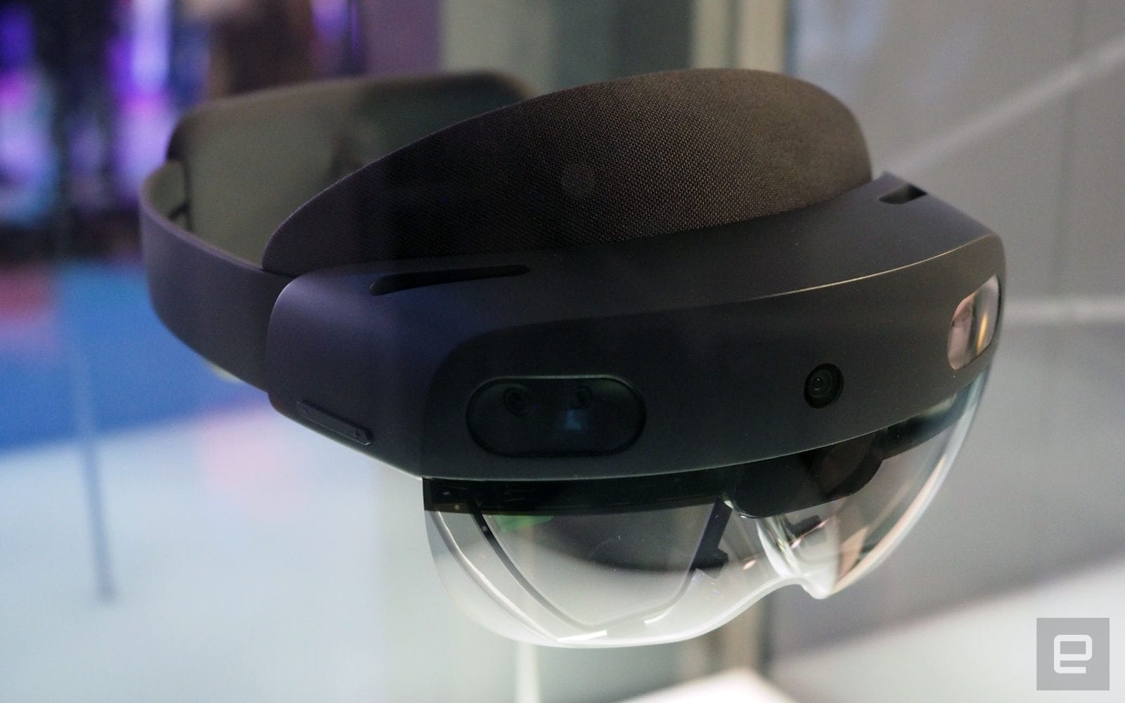 Oculus, Hololens and Vive headsets will soon be able to share apps