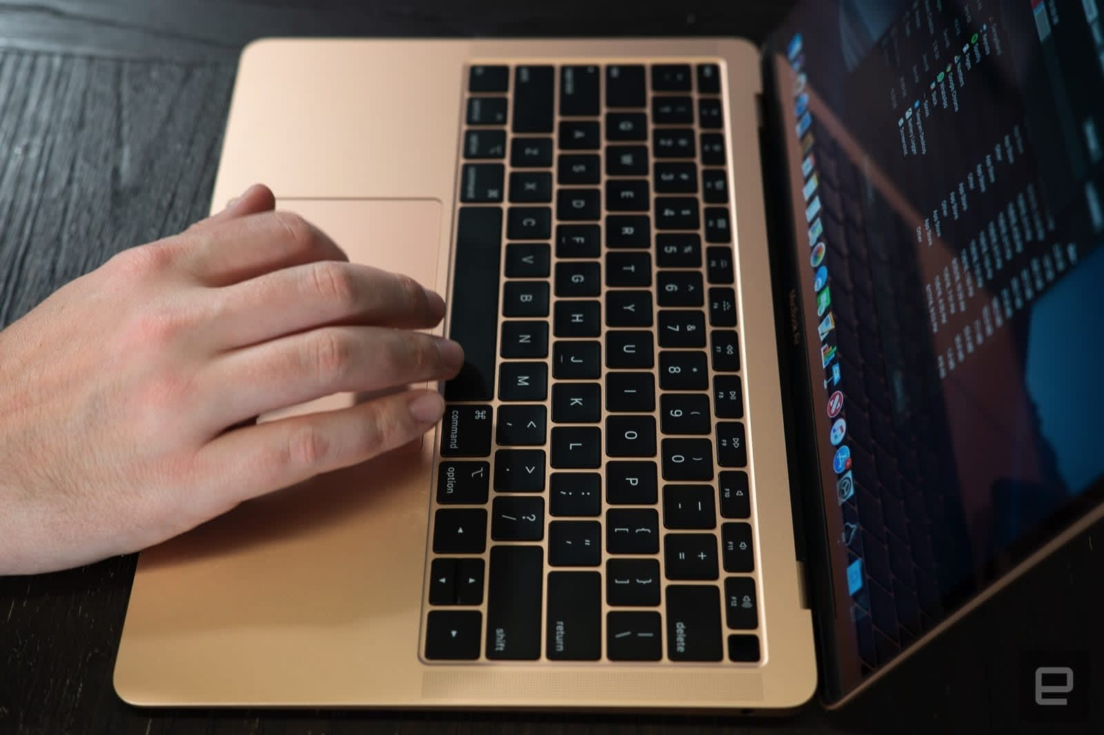 Apple acknowledges keyboard problems with recent MacBooks