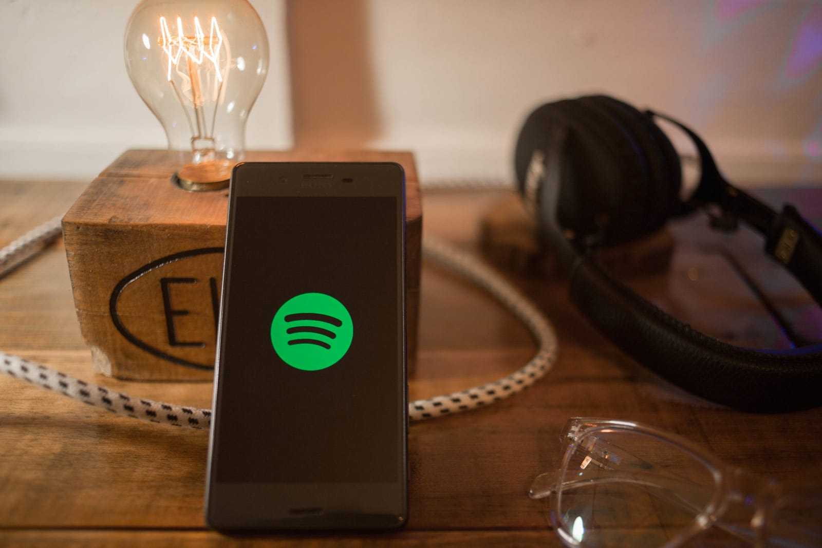 Spotify will help artists upload music to competing services