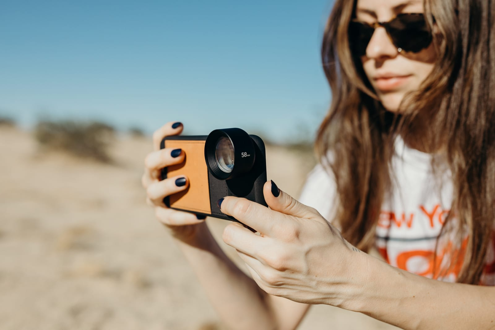 Moment's latest telephoto lens is designed for newer phones