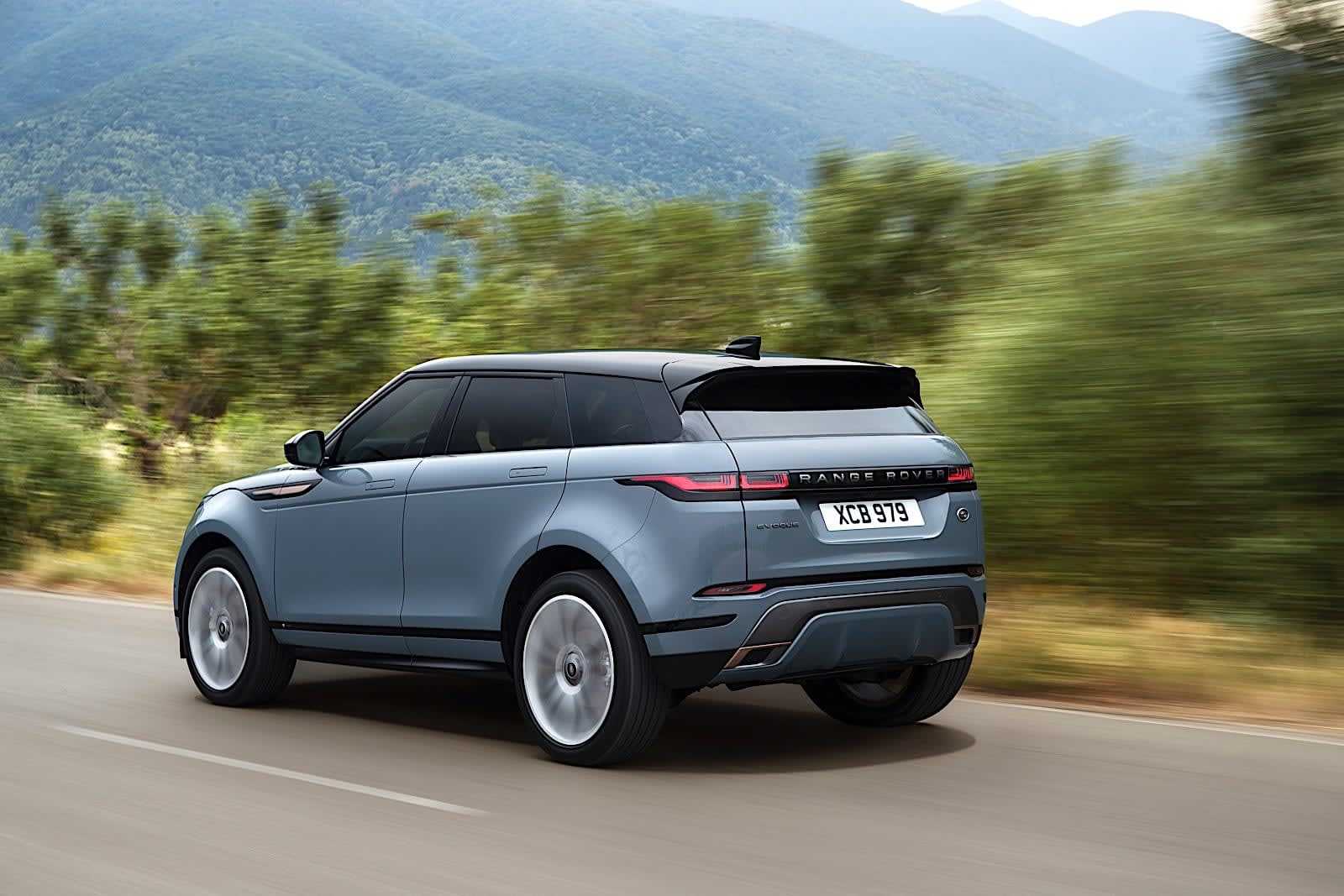 2020 Land Rover LR4 Rumors, Redesign, Release Date, Drivetrain >> Range Rover S 2020 Evoque Blends Style With Sustainability