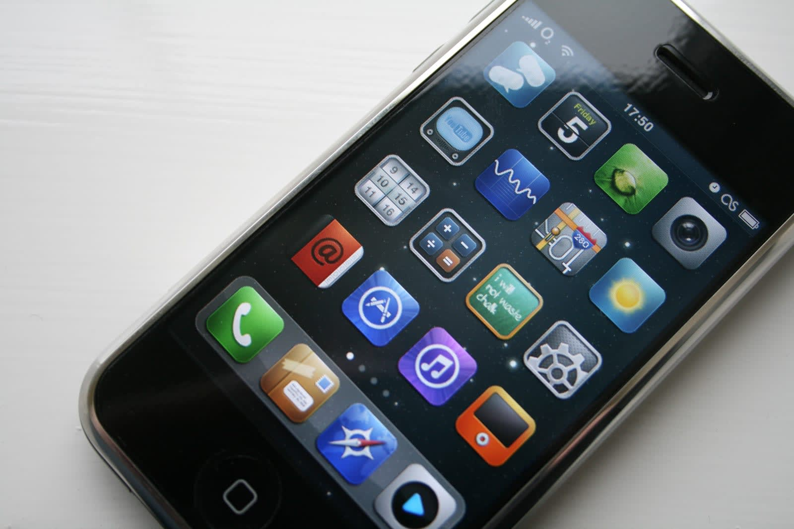 Cydia's app store for jailbroken iPhones shuts down