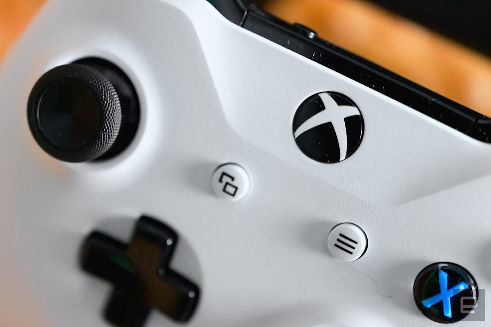 Microsoft invites more people to test very rough Xbox features