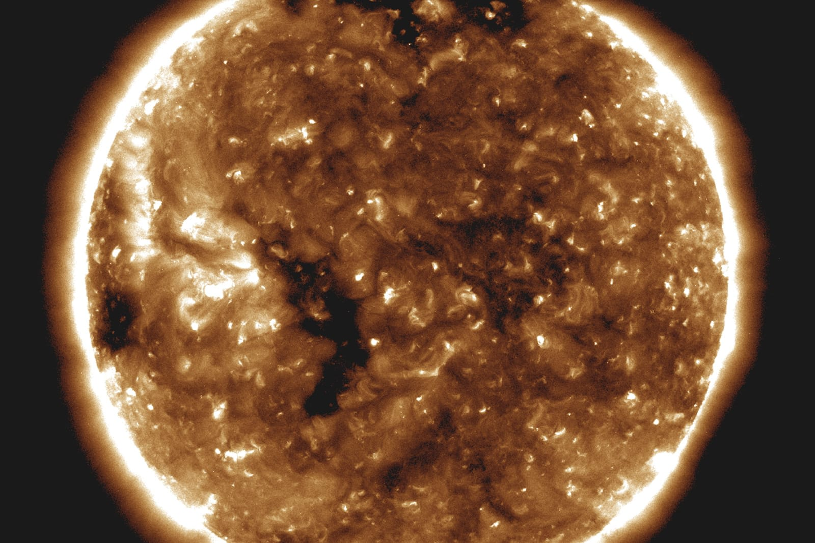 NASA's closest-ever Sun flybys reveal how solar wind works