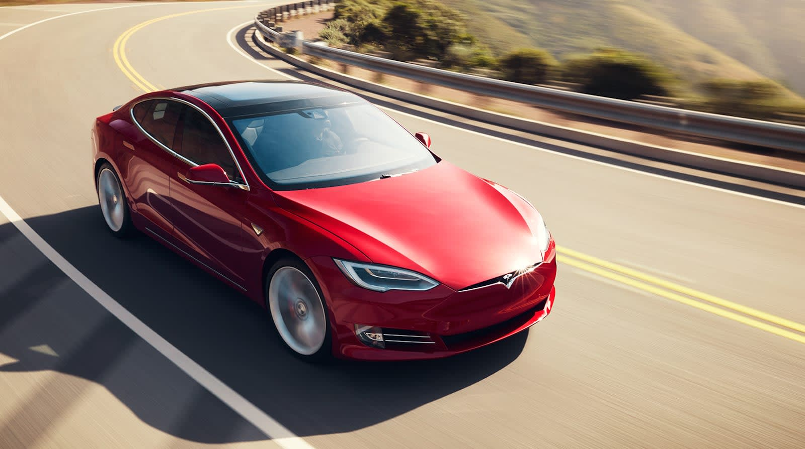 Musk: 'It won't be long' until the Model S goes 400 miles on a charge