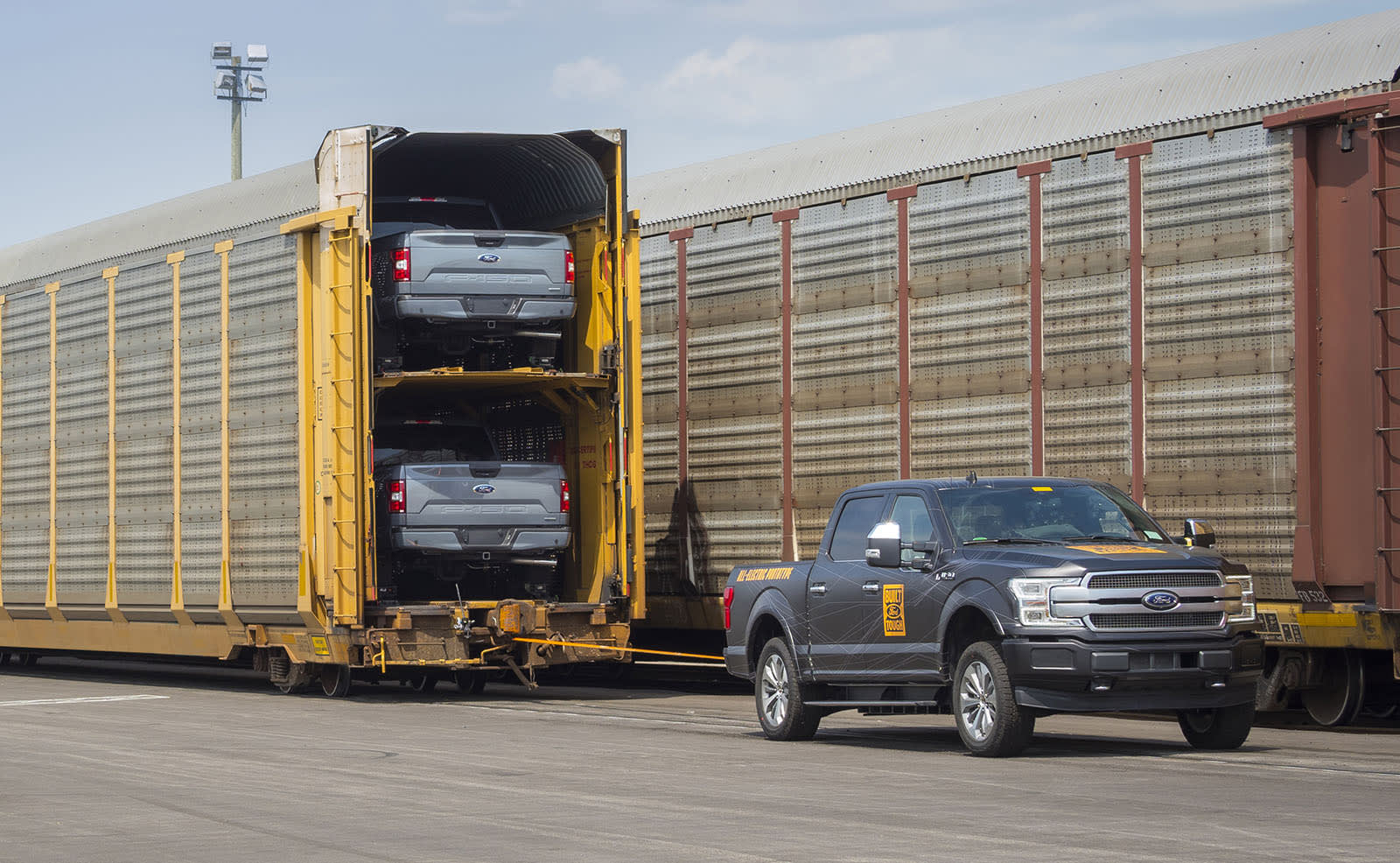 Watch An Electric Ford F 150 Tow Over A Million Pounds
