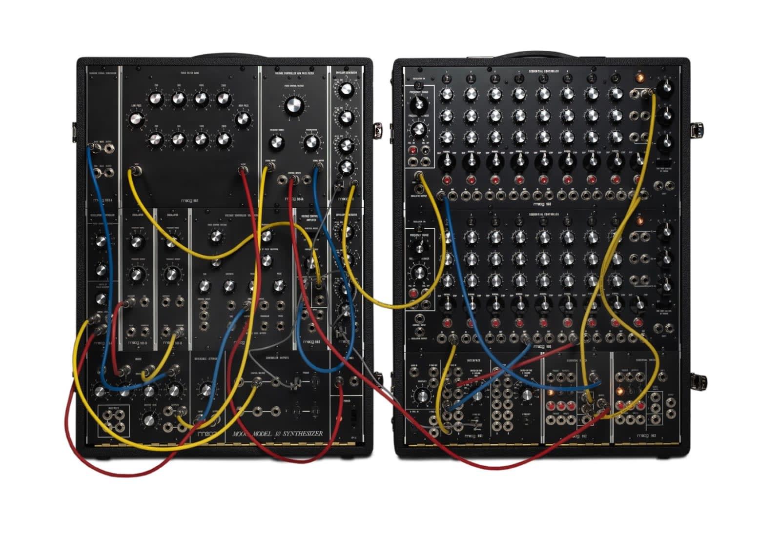 moog brings back its legendary model 10 39 compact 39 modular synth. Black Bedroom Furniture Sets. Home Design Ideas
