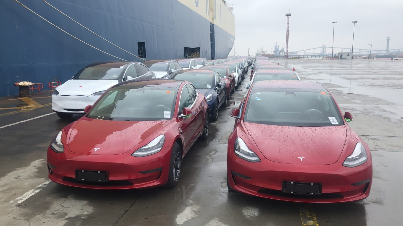 Tesla Delivered A Record 95 000 Cars This Spring
