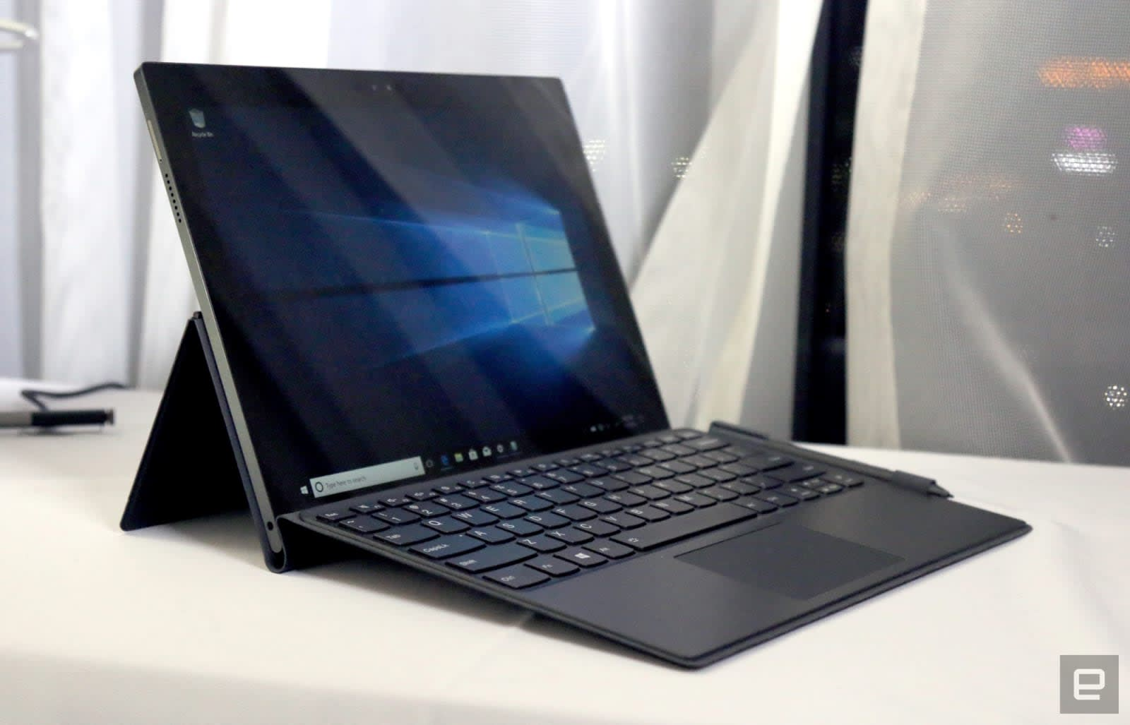 Lenovo Miix 630 hands-on: A solid keyboard and Snapdragon power