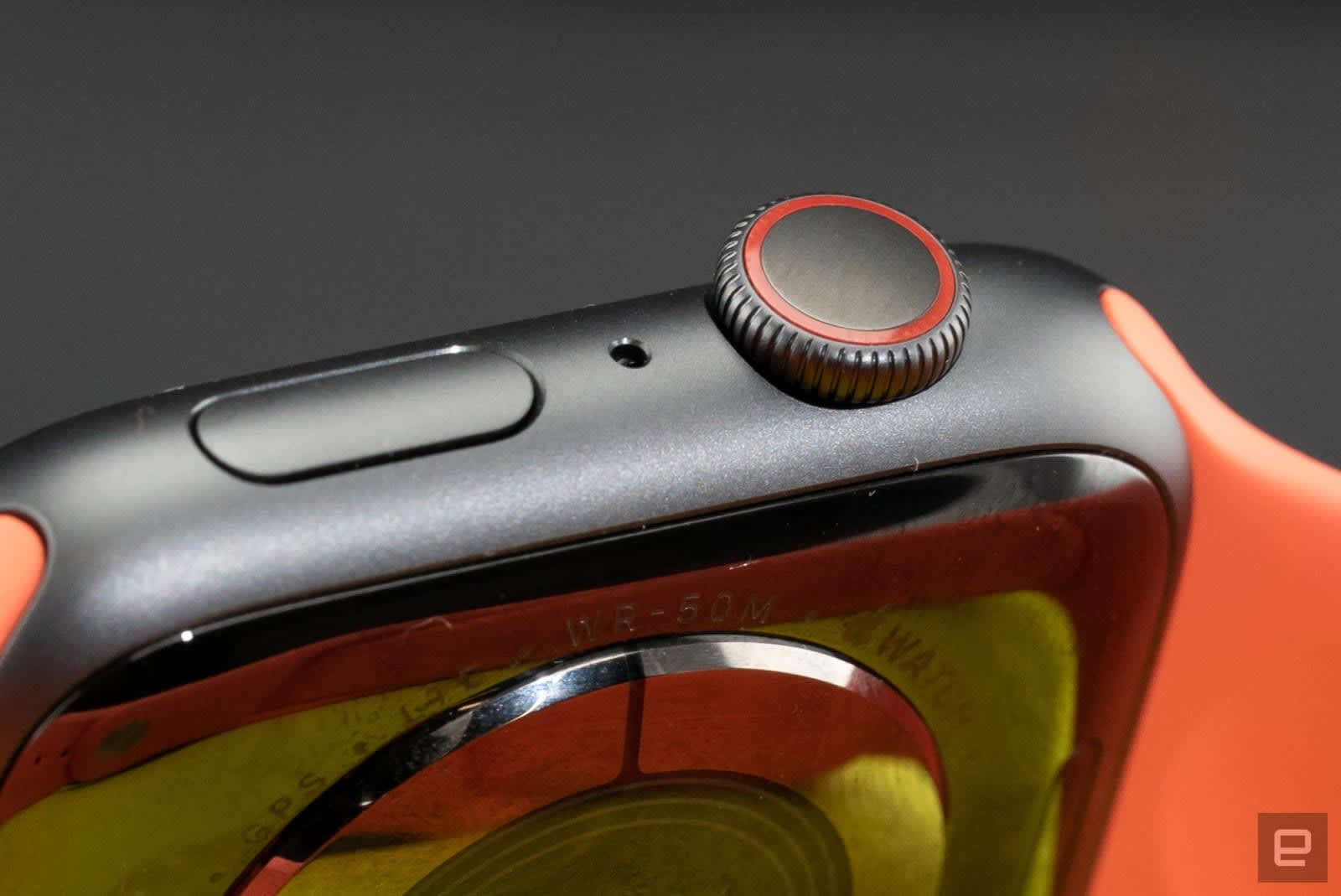 The next Apple Watch may come in titanium and ceramic models