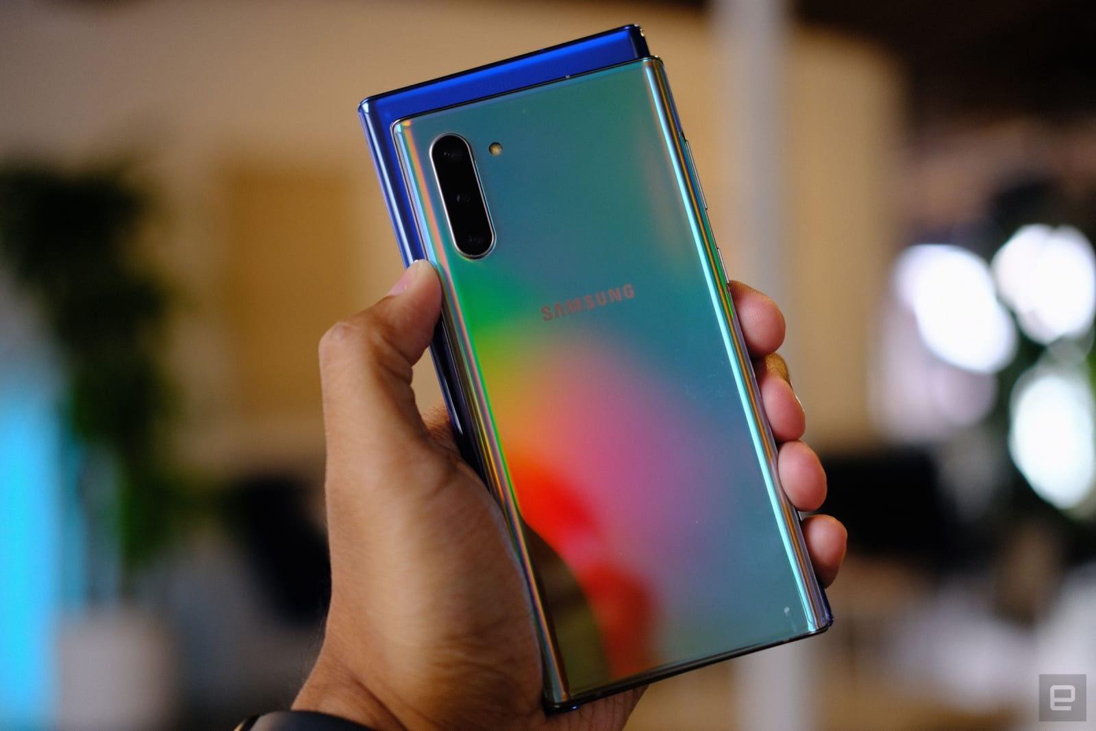 نتيجة بحث الصور عن Galaxy Note 10 and 10 Plus hands-on: the small one is a big deal