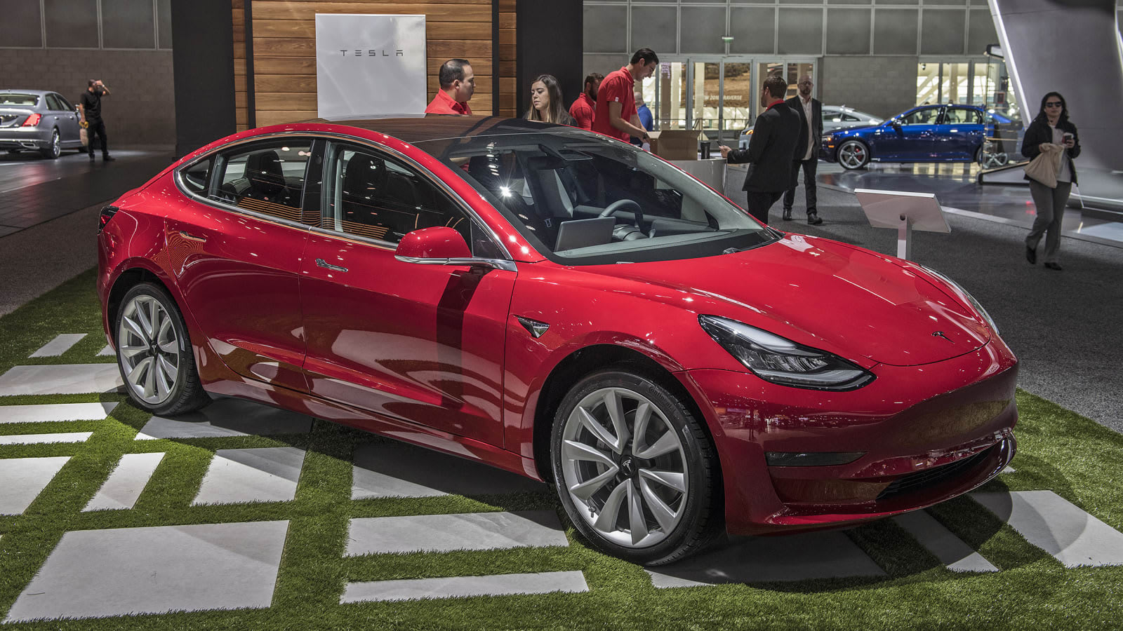 Tesla speeds up delivery times for new Model 3 orders