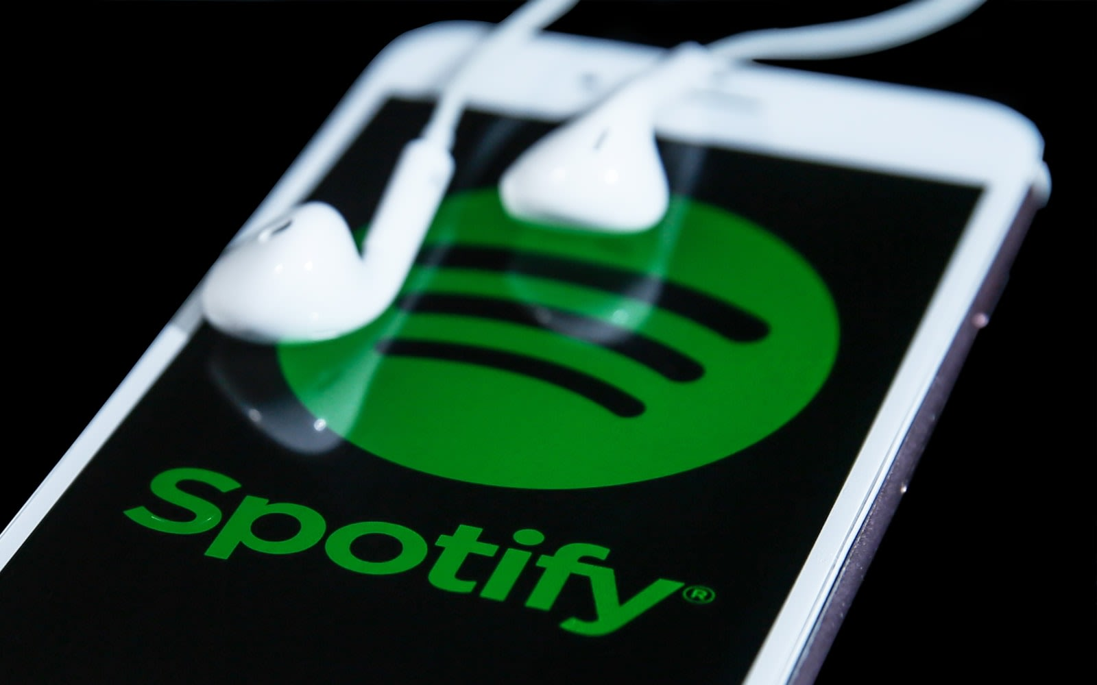 Spotify tests Stories for influencer playlists
