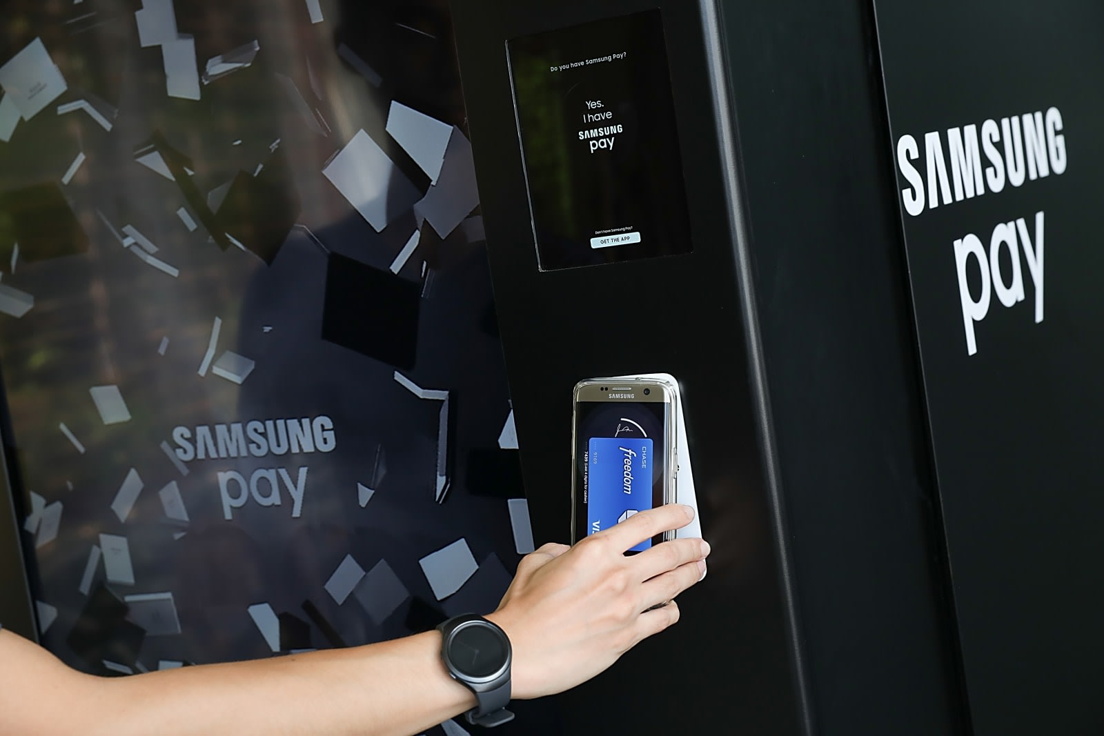 Chase links its payment app to Samsung Pay so you'll