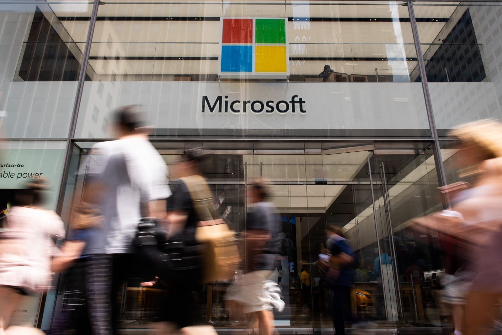 Microsoft briefly surpassed Apple as world's most valuable