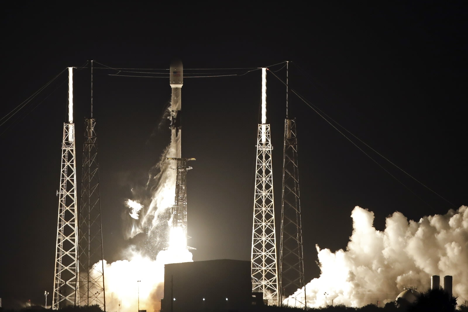 SpaceX hopes to offer satellite internet to customers by mid-2020