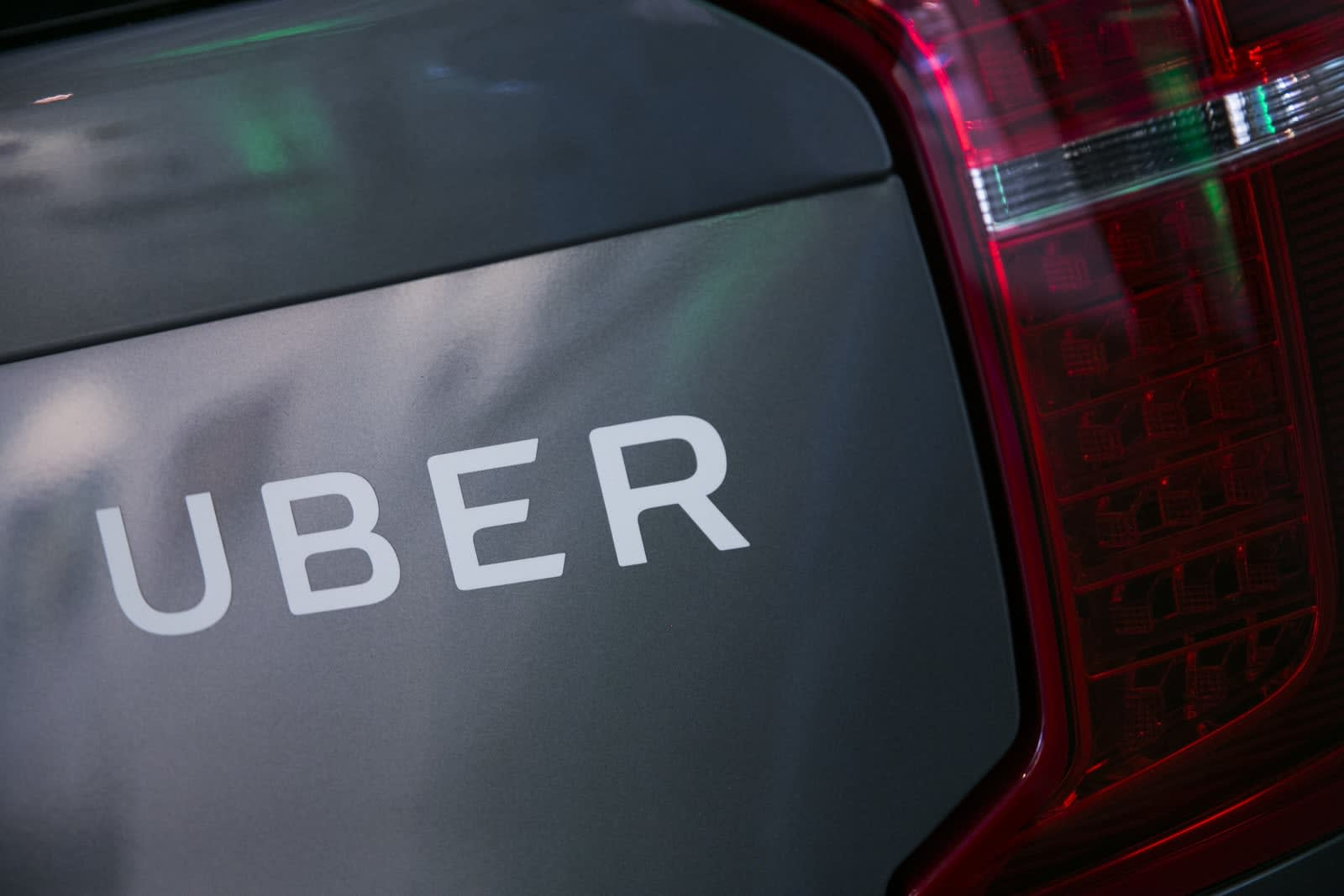 Uber will give free rides in the city that loses the Super Bowl
