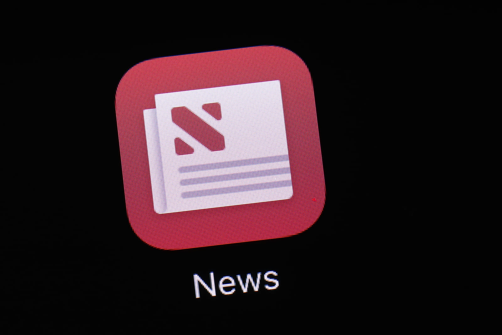 Apple's news service adds the Wall Street Journal at the last minute