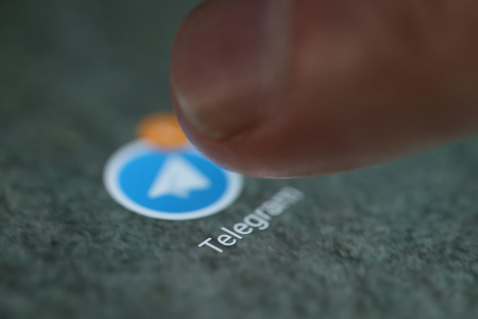 Telegram's silent messages keep your conversations low-key