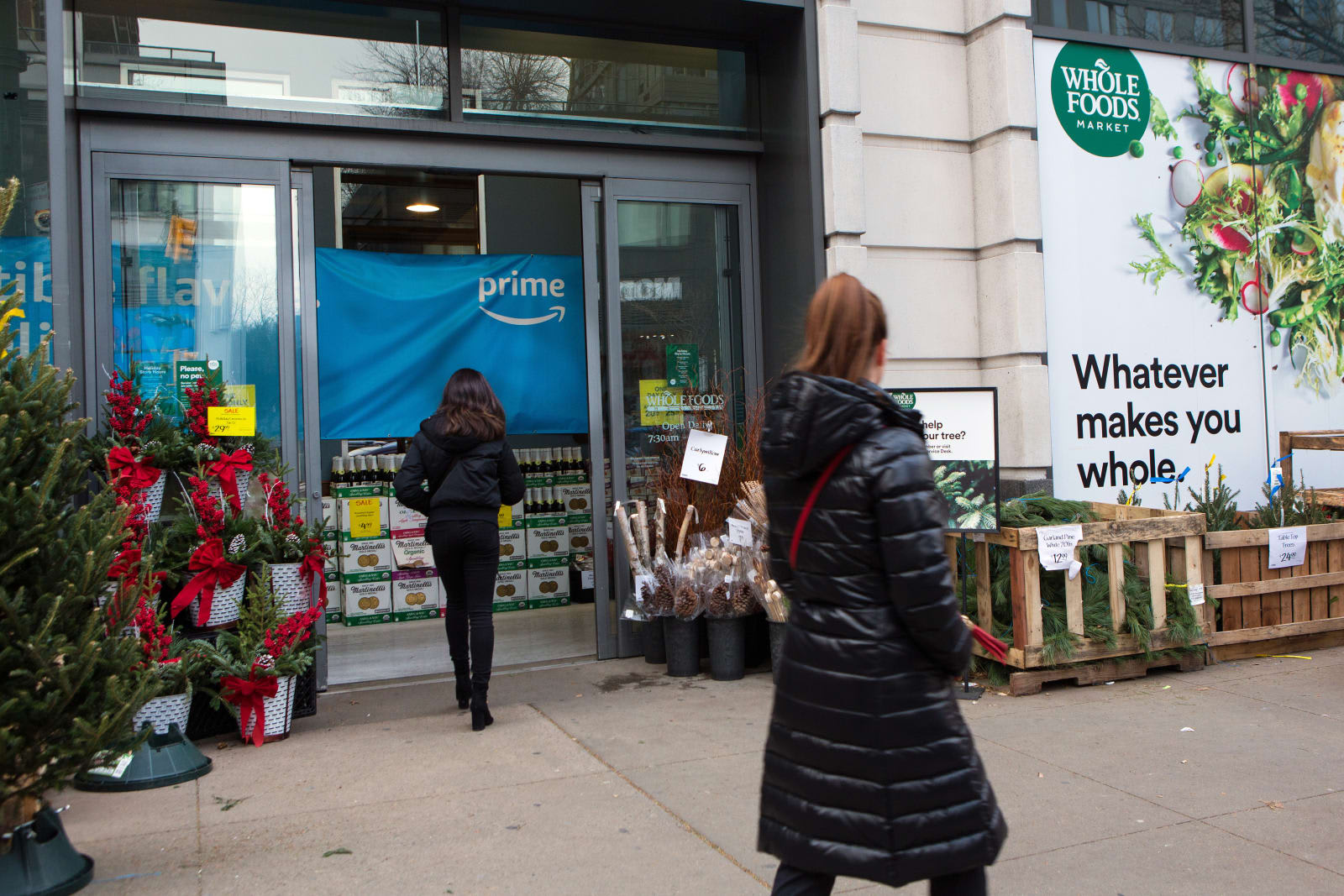 Amazon will build more Whole Foods stores to expand Prime Now